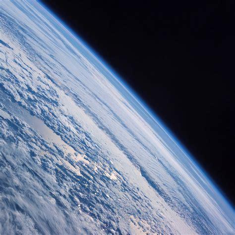 ipad earth wallpaper missing freeios7 earth cosmos parallax hd iphone ipad wallpaper