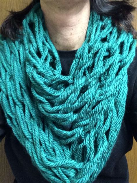 arm knitting scarves arm knitting infinity scarf crafts