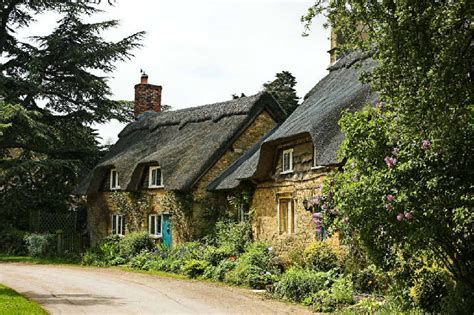 cotswolds cottage cotswold cottages 169 filibuster cc by sa 2 0 geograph