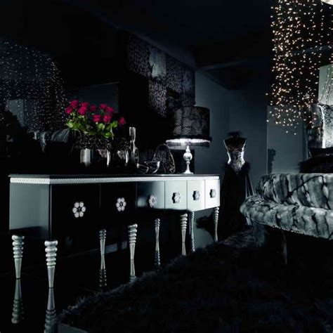 Black Decor | black wallpaper apartments i like blog