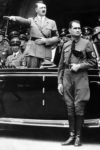 Publicação de livro maldito de Adolf Hitler foi proibida