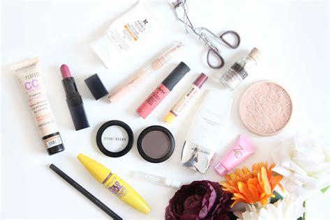 Makeup A what s in my makeup bag 2016 mugeek vidalondon