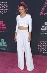 Danielle bradbery picture 37 2016 cmt music awards arrivals