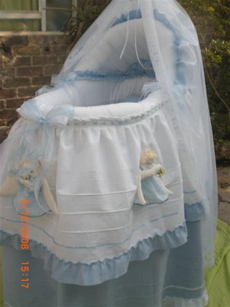 cunas y moises para bebes moises para beb 233 cuna mois 233 s con angelitos bambineto