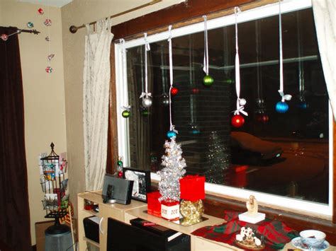 window decorating 20 christmas window decorations ideas for this year