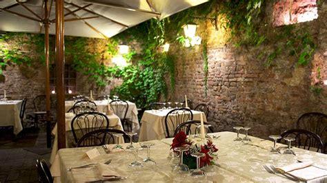 romolo nel giardino della fornarina romolo nel giardino della fornarina roma spise og