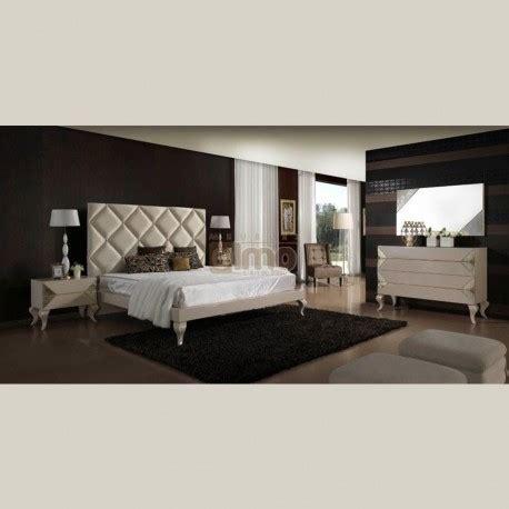 meuble chambre adulte chambre adulte contemporaine laque t 234 te de lit molletonn 233 e dams