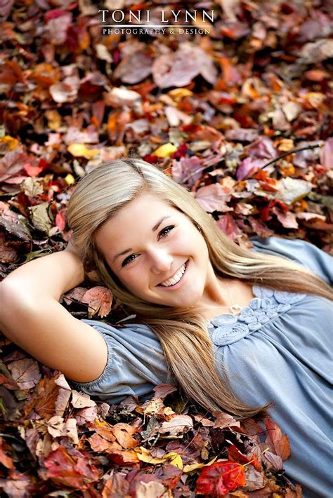 7 Fall Photo Poses by Miranda Senior Bellingham High School Senior Pics