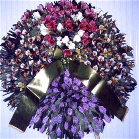corone di fiori per funerali nicosia funerali e fiori non graditi nella chiesa i