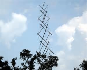 Garden Sculpture Art - the mathematical tourist tensegrity tower in new orleans