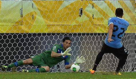 portiere uruguay italia uruguay buffon paratutto azzurri terzi dopo i