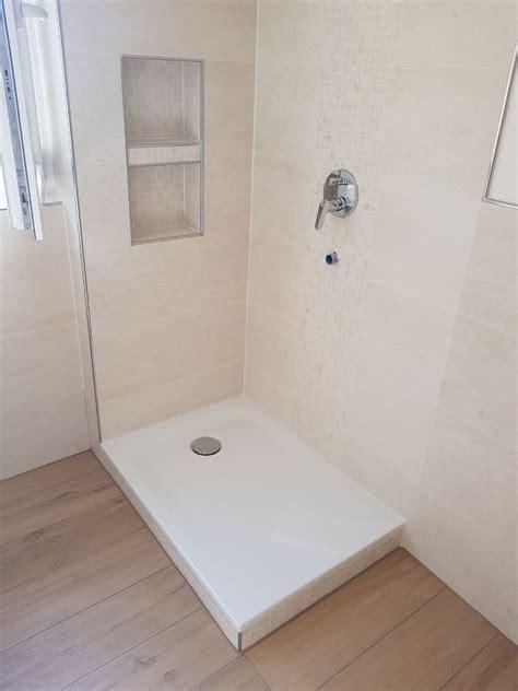 badezimmer fliesen nische gestaltung der dusche mit mosaik und fliesen sowie einbau