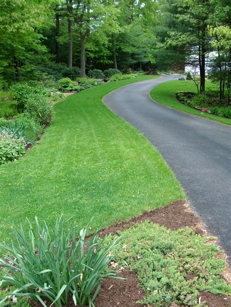 Garden Driveway Ideas 1000 Ideas About Driveways On Asphalt