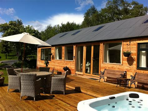 Luxury Secluded Cottages by Oak Cottage Luxury Log Cabin With Tub And