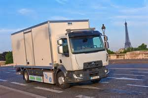 r and d trucks the electric renault truck d on the streets of