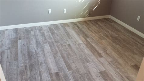 wood like tile porcelain tile made to look like a wood floor small inch grout grey tile floor that looks like