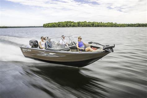 crestliner boats iowa crestliner 1950 super hawk boats for sale boats