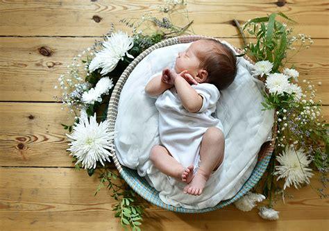 mobiles zu hause liebevolle babyfotos berlin zu hause mobiles fotostudio
