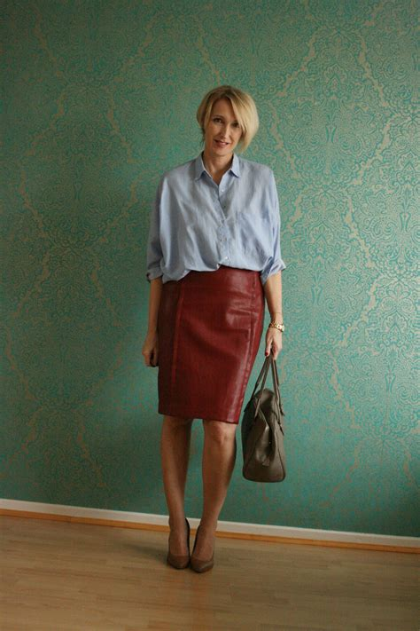 skirts for women over 55 a fashion blog for women over 40 and mature women http