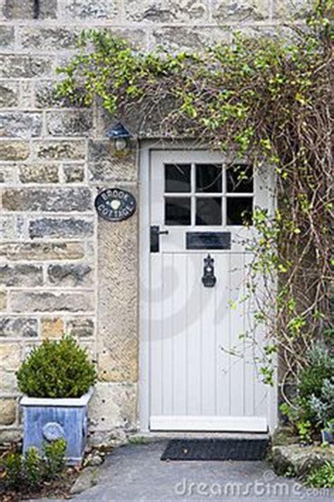 Cottage Exterior Door 1000 Ideas About Cottage Door On Cottages Doors And Solid Oak Doors