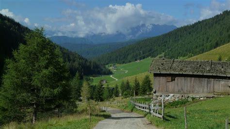 berghütte für 2 alpencross 1 0 gotti titzy und renn schnecke auf dem weg