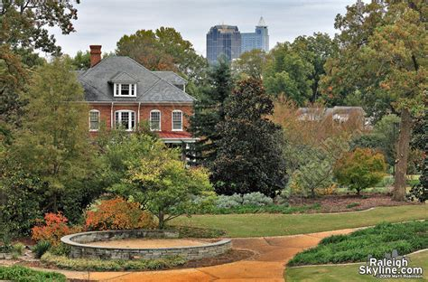 best place for small outdoor wedding in Raleigh (October