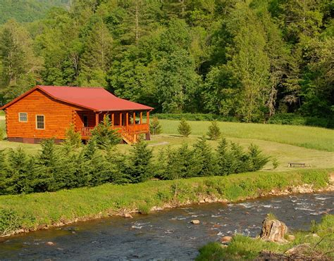 Springs Nc Cabins by Springs Nc Luxury Waterfront Log Cabin Rental