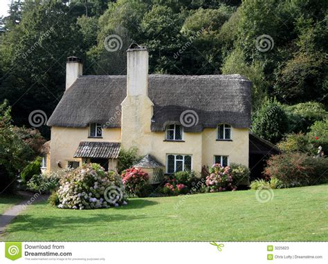 cottage inglese cottage inglesi thatched immagine stock immagine di