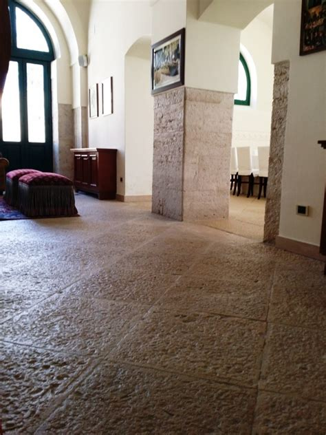 foto pavimenti in pietra per pavimenti in pietra per ville la pietra di trani by