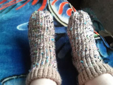 ravelry slipper socks on the knifty knitter loom pattern 33 best loom knit socks images on pinterest knitting