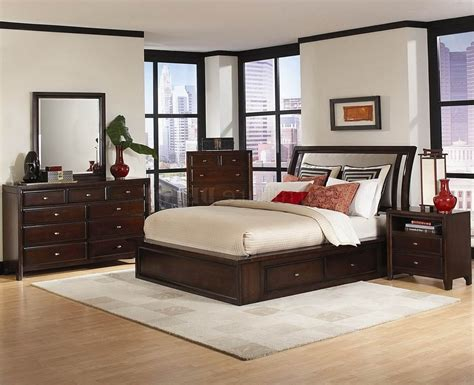 Contemporary Italian Bedroom Furniture Chocolate Finish Plank Bedroom Furniture