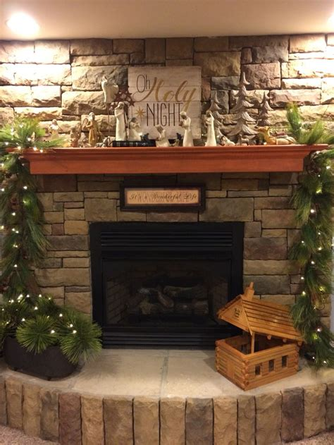 ideas  christmas mantel decor  pinterest