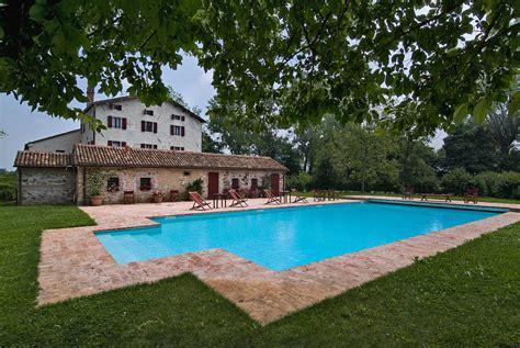 con piscina bencontenta villa con piscina in agriturismo veneto