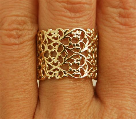 Eheringe Zart by Goldring Zarte Ring Gold Lace Ehering Breite Goldring