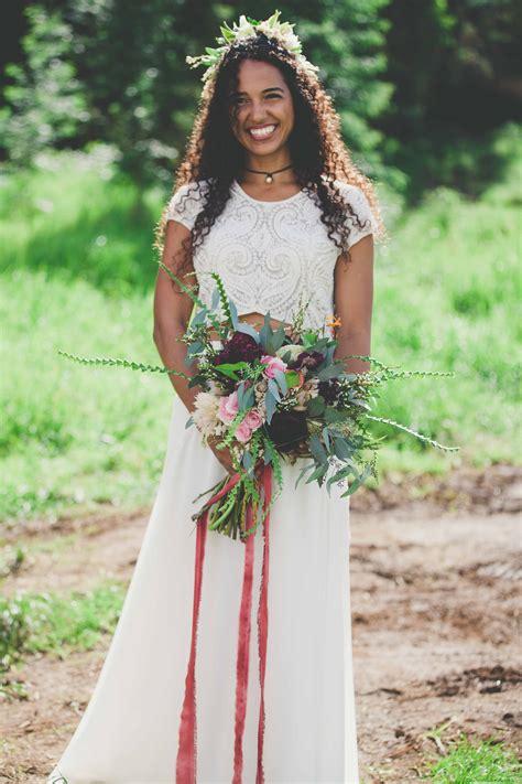 Wedding Attire Hawaii by Hawaiian Wedding With A Stunning Traditional Ceremony