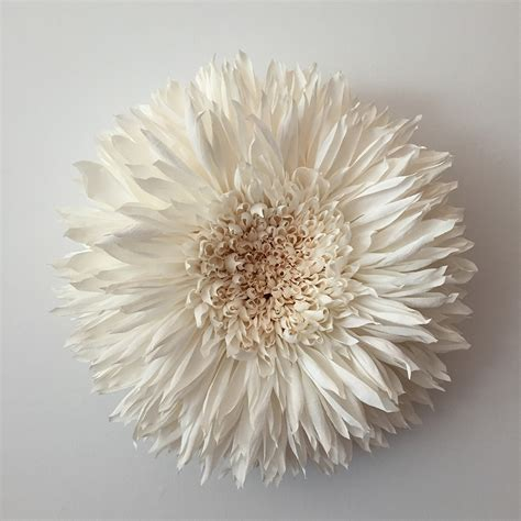 fiori sembrano di carta i giganteschi fiori di carta di tiffanie turner