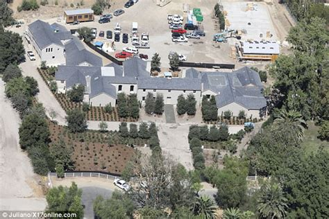 kim kardashian house renovation where does kim kardashian live her hidden hills palace