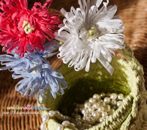 fiori all uncinetto con fettuccia come fare un fiore all uncinetto facile facile blogmamma