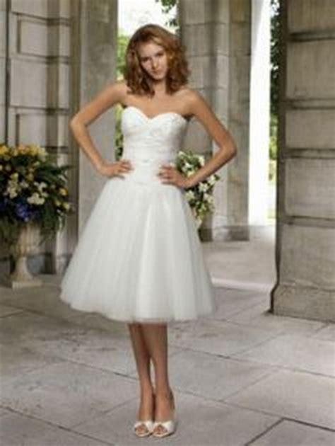 Hochzeitskleid Schlicht Knielang by Brautkleid Schlicht Kurz