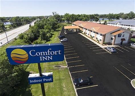 comfort inn moline illinois comfort inn moline quad cities hotel deals reviews