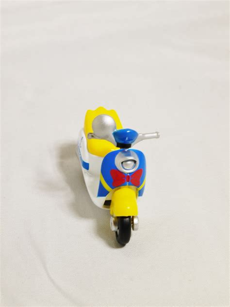 Tomica D 11 Donald Duck White takara tomy tomica disney motors classic donald duck dm 19 custom diecast contemporary manufacture