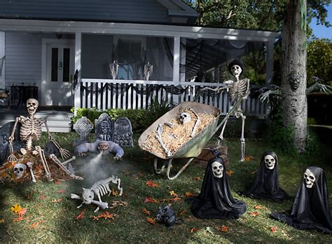Haunted House Yard Ideas Halloween Party Ideas Holiday Backyard Haunted House Ideas