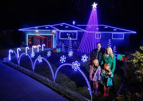ditmas oark christmaslight displat santa rosa family helps charity with high tech light display