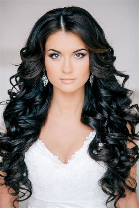 best styles for unruly ethnic hair best 25 long curls ideas on pinterest curls curls for