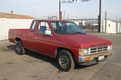 sell used 1992 nissan king cab 2wd manual 4