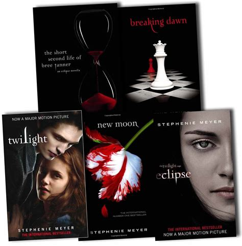 at twilight books twilight saga 5 book collection stephenie meyer new moon