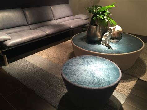 decorate  coffee table  overdoing