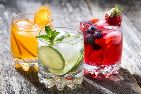 fruity drinks 5 different fruit cocktails to help you celebrate national