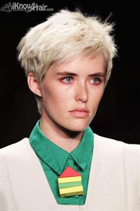 razor haircuts for working women razor haircuts razor cut hair razor hair cut razor
