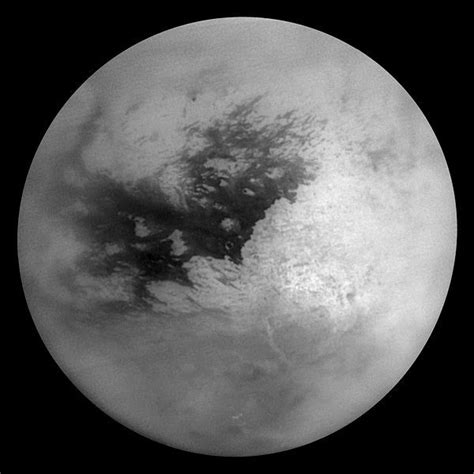 imagenes satelitales hyperion moons of the planet saturn information about titan